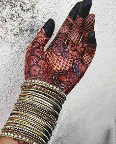 Pretty Henna Designs, Modern Henna Designs, Mehandhi Designs, Rose Mehndi Designs, Latest Bridal Mehndi Designs, Mehndi Designs 2018, Mehndi Designs For Girls, Mehndi Design Photos, Wedding Mehndi Designs