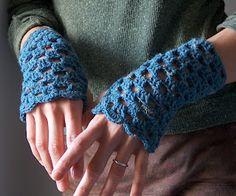 creativeyarn: Crochet Openwork Handwarmers