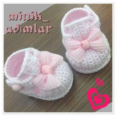 Crochet Patterns Girl Baby boties crochet My booties . Crochrt baby booties- just inspiration, ~ **There is no pattern with these ~ Pinned ONLY for inspiration**Discover thousands of images about Baby Bow Shoes Crochet Pattern.Boutique Crochet T-Stra Crochet Baby Boots, Crochet Baby Sandals, Knit Baby Booties, Booties Crochet, Crochet Baby Clothes, Crochet Slippers, Cute Crochet, Crochet For Kids, Crochet Crafts