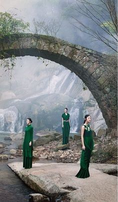 Contemporary Photography by Sun Jun http://www.chinesefashionstyle.com/