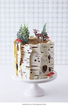 Birch Log Cake! Learn how to make this wintry, birch cake that looks just like a natural birch branch | by Cakegirls for http://TheCakeBlog.com