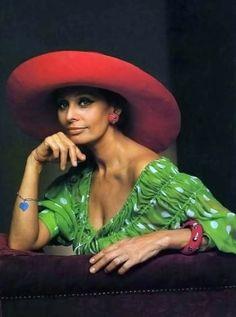Sophia Loren, photo by Yousuf Karsh, 1981/ImpressioniFotografiche