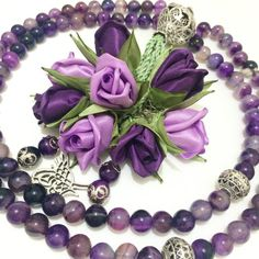 #mor#ametist # Doğaltaş #tesbihsüsleme #subha #masbah #rosary #prayingrosary #islamicgifts #namaz #dua #zikir #hac #umre #mevlit #mevlithediyesi #nişan #düğünbohçası Diy Ribbon Flowers, Ribbon Flower Tutorial, Rose Tutorial, Beaded Flowers, Paper Flowers, Silk Ribbon Embroidery, Fabric Ribbon, Diy And Crafts, Arts And Crafts