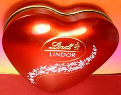 LINDT LINDOR SWISS MILK CHOCOLATE TRUFFLES HEART 62g GIFT Tin BOX 5 pcs  Delicious Gourmet Fresh *** See this great product.