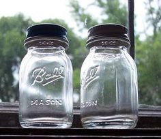 Miniature Ball jar Salt & Pepper shakers! I had an opportunity to buy these today...ohh regret