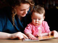 Ab wann sollte man Kindern vorlesen? Früher als du denkst. Bildungsforscher haben jetzt eine genaue Empfehlung für Eltern