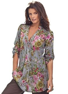 Casual Clothes For Women Wish it was in regular sizes too. Women's Plus Size English Floral Bigshirt (Gre… Plus Size Shirts, Plus Size Tops, Plus Size Women, Fashion Over, Girl Fashion, Fashion Outfits, Womens Fashion, Fashion Blouses, Fashion Styles