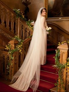 Michelle Dockery's wedding gown and veil in Downton Abbey.