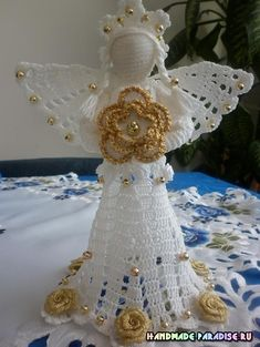 Ажурный ангел. Вязание крючком Crochet Christmas Decorations, Christmas Crafts To Make, Crochet Ornaments, Holiday Crochet, Angel Ornaments, Crochet Angel Pattern, Crochet Angels, Crochet Patterns, Thread Crochet