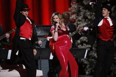 Watch as Jennifer Nettles (and her cute baby bump!) host 2012's CMA Country Christmas!