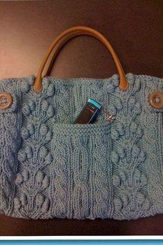 Ravelry: Chunky Aran Bag pattern by Bernat Design Studio Knitting Projects, Knitting Patterns, Crochet Patterns, Purse Patterns, Easy Knitting, Sewing Patterns, Crochet Handbags, Crochet Purses, Crochet Bags