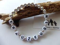 Armband für die Trauzeugin - aus hübschen silberfarbenen Perlen. Gibt's bei www.hintzundtoechter.de