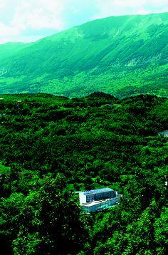 La Réserve è una gemma preziosa, incastonata nella natura vergine. Quella del Parco Nazionale della Majella.   Unico caso in Italia.     #lareservehotelterme #abruzzo #caramanicoterme