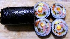 모르면 손해!!예쁘고 이색적인 김밥 12가지 종류 Dessert Cake Recipes, Desserts, Korean Kitchen, Homemade Sweets, Recipe Boards, Korean Food, Korean Recipes, Appetisers, Sushi