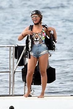 Beyoncé On Her Yacht In Palmarola Italy 11.09.2015