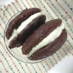Healthy Whoopie Pies These whoopie pies are delicious and healthier than most desserts—they're made with vitamin-rich beets!  For the full recipe: 32 Healthy Kids Snacks - parenting.com