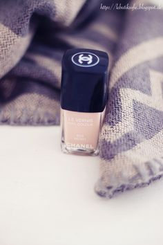 love this Chanel color
