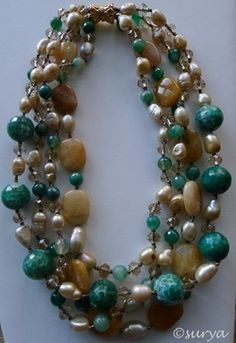 Really gorgeous #necklaceset in yellow #jade, #pearl, #crystal and #agate!!!!! Can be used in any occasion.