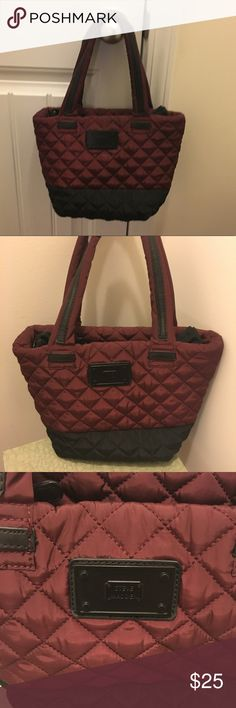 Steve Madden quilted maroon/black handbag Steve Madden maroon/black quilted handbag.  Perfect for fall.  Offers/questions welcome! Steve Madden Bags