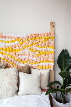 DIY woven headboard. Oh yes, you can make it.
