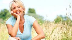 Vücudumuzdaki değişimler nedeniyle hayati önemdeki 5 vitamini 50 yaşından sonra zor alıyoruz. Doktorunuzla görüşüp takviye almanız gereken bu 5 vitamin neler?