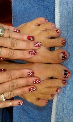 Make an original manicure for Valentine's Day - My Nails Disney Toe Nails, Disney Toes, Disneyland Nails, Disney Manicure, Minnie Mouse Nails, Mickey Nails, Disney Nail Designs, Toe Nail Designs, Nails Design
