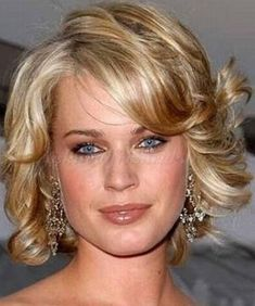 Popular Short Wedding Hairstyles Gorgeous and Fabulous Flip Out Bob Cut Bob Hairstyles 2018, Popular Short Hairstyles, Cute Hairstyles, Wedding Hairstyles, Short Bridal Hair, Short Curly Hair, Short Hair Cuts, Curly Hair Styles, Hair Styles 2014