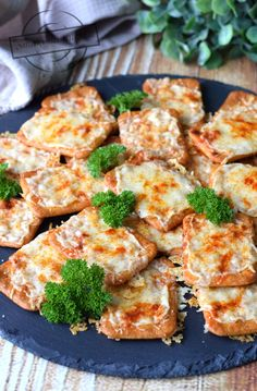 Appetizer Recipes, Appetizers, Happy Foods, Cheddar, Broccoli, Cauliflower, Food And Drink, Vegetables, Ethnic Recipes