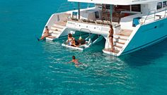 what-boat-is-best-for-sailing-vacation-monohull-or-catamaran