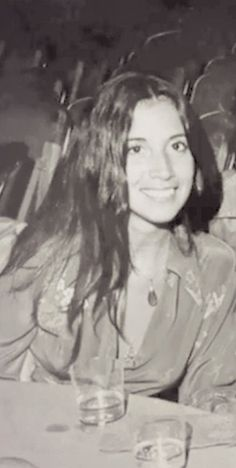"""Olivia Harrison is a f___g cool chick"" –Stella McCartney Linda Mccartney, Stella Mccartney, Olivia Harrison, George Harrison, John Lennon, Linda Eastman, El Rock And Roll, Jane Asher, Something In The Way"