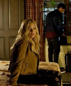 These 5 'Pretty Little Liars' theories are so crazy that they MIGHT be true.