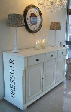 Schaal voor op tafel met mooie decoratie zoals vaasjes for Decoratie op dressoir