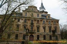 Roztoka Palace