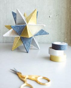 Washi tape is known as Japanese decorative tape which has so many uses in every home. You can find so many kinds of Washi tape, colored with different Diy Paper, Paper Crafts, Kraft Paper, Washi Tape Crafts, Washi Tapes, Masking Tape, Star Diy, Decorative Tape, Star Decorations