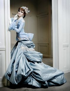 Christian Dior Haute Couture Fall 2007 by John Galliano Christian Dior, Dior Fashion, Couture Fashion, Gothic Fashion, Victorian Fashion, Dior Haute Couture, John Galliano, Galliano Dior, Beautiful Gowns