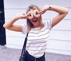 """CAMILA LACH no Instagram: """"Quero saber se alguém tem algum palpite sobre o vídeo que sai hoje no canal?! 💕 foi um vídeo que já me pediram aqui no Instagram ✨📸"""" Camila, T Shirts For Women, Instagram, Photograph, Beautiful, Tops, Girls, Fashion, Photography"""