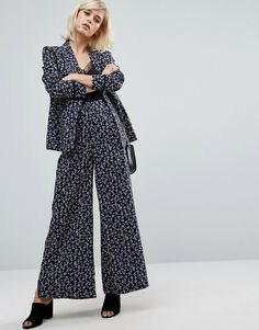 Buy it now. Fashion Union Printed Trouser -Co-Ord - Blue. Trousers by Fashion Union, Printed woven fabric, High-rise waist, Side pockets, Wide-cut leg, Relaxed fit, Machine wash, 100% Polyester, Our model wears a UK 8/EU 36/US 4 and is 173cm/5'8 tall. ABOUT FASHION UNION Fashion Union helps you overhaul your party-girl wardrobe with its standout collection. Head out-out in punch-packing dresses, bare it all in a cheeky twosie or pair it back in a slick LBD. , vestidoinformal, casual…