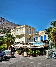 Kalymnos Greece, Mansions, House Styles, Home Decor, Greece Country, Mansion Houses, Room Decor, Mansion, Home Interior Design