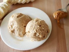Healthy Peanut Butter Banana Ice Cream: 2 ripe bananas 1-2 tablespoons creamy peanut butter 1 teaspoon pure vanilla extract  Place frozen banana pieces into the bowl of a food processor and process until completely smooth. This takes a few minutes and you may need to scrape down the bowl or break up large chunks. Once the banana is creamy, add the peanut butter and vanilla and process until combined. Eat immediately for a soft serve like treat or place in a freezer safe container and freeze