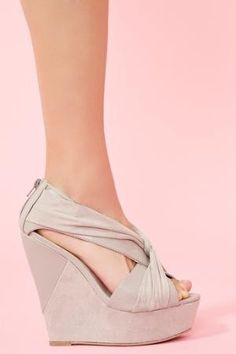 I am in dire need if spring wedges