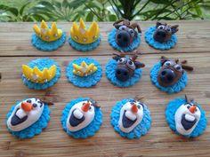 Frozen fondant cupcake toppers Frozen Fondant, Frozen Cupcakes, Fondant Cupcake Toppers, 4th Birthday Parties, Cookies, Party, Desserts, Food, Crack Crackers