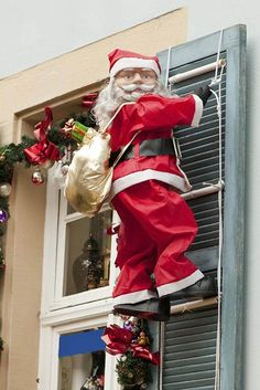 Magnificent Christmas Window Decorating Ideas For 2019 Christmas Window Decorations, Outside Decorations, Holiday Decor, Merry Christmas To You, Christmas 2016, Christmas Ideas, Santa Ornaments, Red Gingham, Layers Design