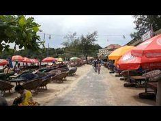 Sihanoukville (Khmer: ក្រុងព្រះសីហន, Preah Sihanuk, Sihanouk-Stadt, zu Ehren König Norodom Sihanouks) ist eine Hafenstadt in Kambodscha am Golf von Siam. In der Provinz Sihanoukville leben etwa 235.190 Einwohner (Stand 2006), die Stadt Sihanoukville ist die fünftgrößte des Landes.  Kurz nach der politischen Unabhängigkeit Kambodschas wurde 1956 ...