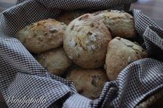 Vegaaniset mokkapalat (maidoton ja munaton) - Vaniljapullan keittiössä - Vuodatus.net - Bread Recipes, Muffin, Rolls, Cookies, Breakfast, Desserts, Food, Crack Crackers, Essen