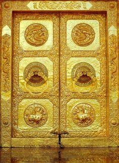 & Laos | Doors Gold and Gates