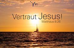 """""""Jesus antwortete: »Warum habt ihr Angst? Habt ihr denn kein Vertrauen zu mir?« Dann stand er auf und bedrohte den Wind und die Wellen. Sofort legte sich der Sturm, und es wurde ganz still."""" Matthäus 8:26  #matthäus #matthaeus #matthäus8 #matthaeus8 #gott #jesus #vertrauen #angstfrei #sprechen #hören #hoeren #gehorchen #glaube #glaubensimpulse #bibel #bibelvers"""