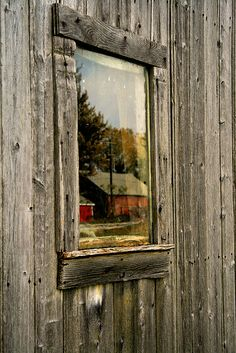 Love old barn doors and windows - love this photo reflection as well. Country Barns, Old Barns, Country Life, Country Living, Country Roads, Old Windows, Windows And Doors, Barn Windows, Weathered Wood