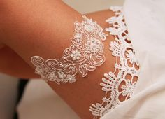 Ivory Antique White Bridal Lace Garter  Pearls Beads by NAFEstudio