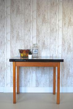 Vintage formica dinner table at www.bijCharlie.nl