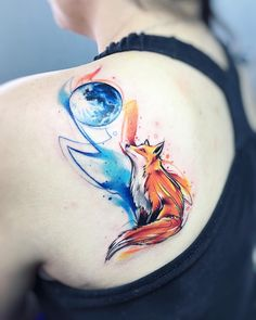 Tatuagem feita por Adrian Bascur de Viña del mar, Chile. Raposa olhando para a lua.